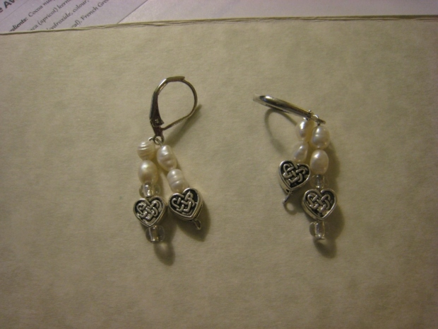 Fresh Water Pearl & Hearts Earrings (800x600)